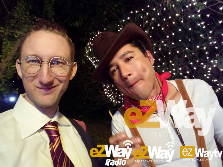 Eric Zuley and Mario Lopez (EXTRA TV) at the Peeks Halloween House Party.